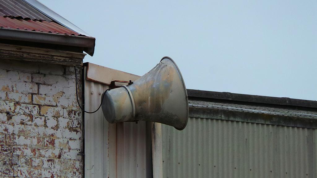 speaker 13894927561_322a533db4_b