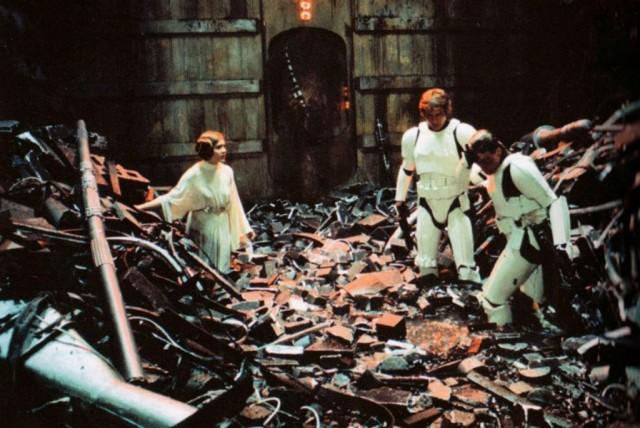 star-wars-garbage-chute-1024x684
